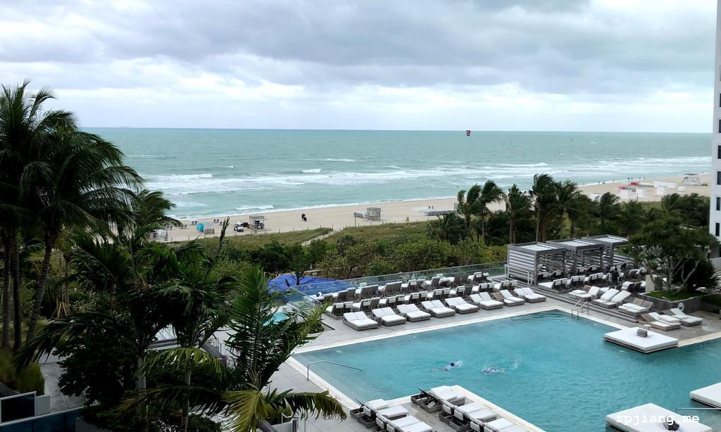 Cabana swimming pool in 1 Hotels South Beach.