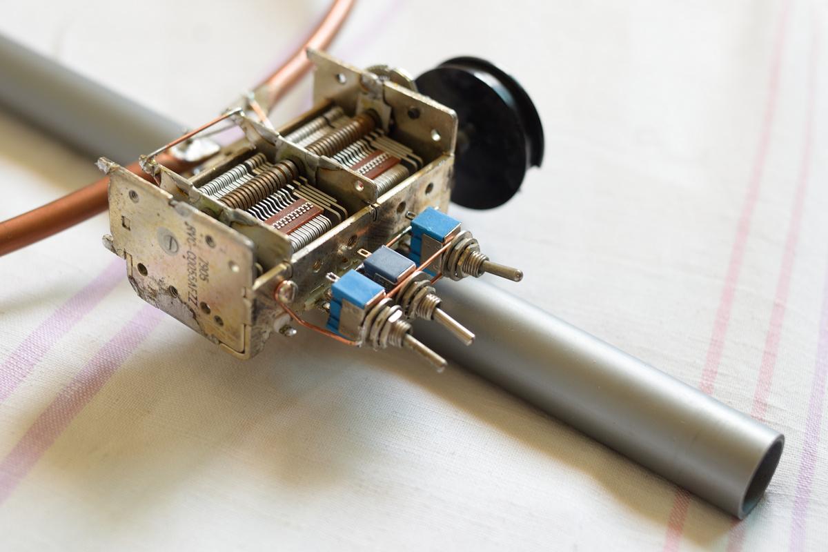 HF Resonant Loop