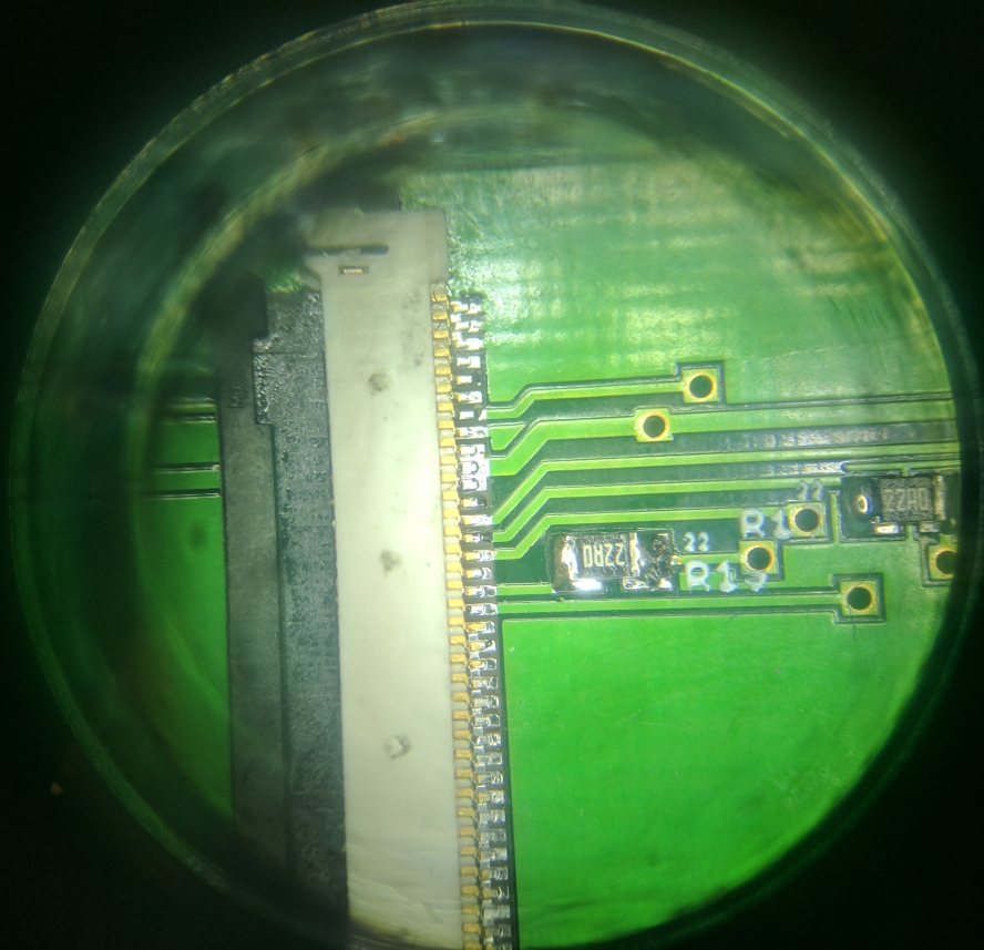 10 - Display Connector Microscope.jpg