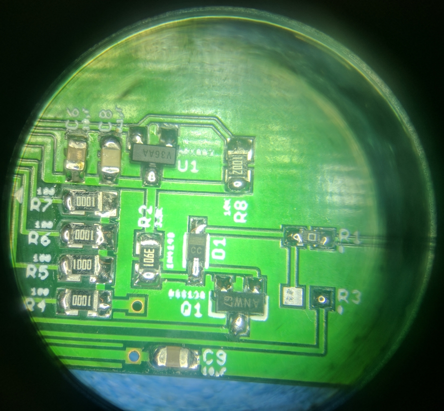 11 - Display Circuit Microscope.jpg