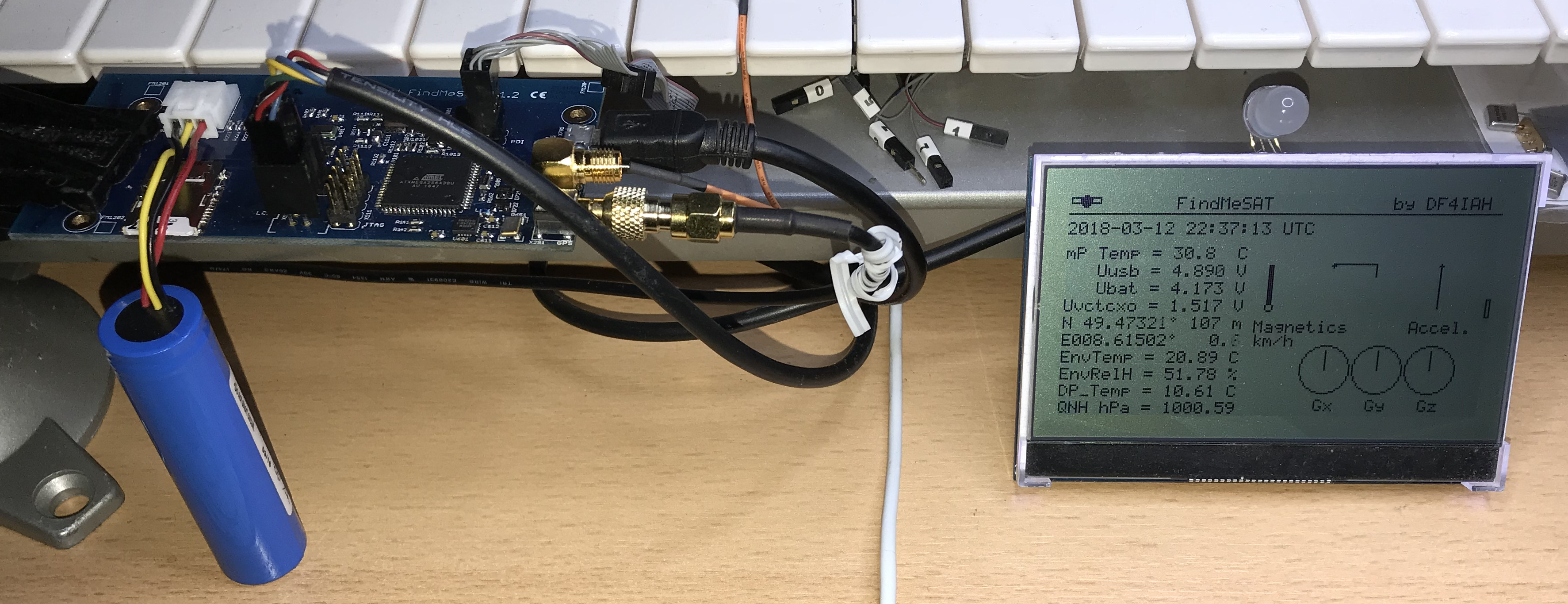 FindMeSAT working together with Smart-LCD