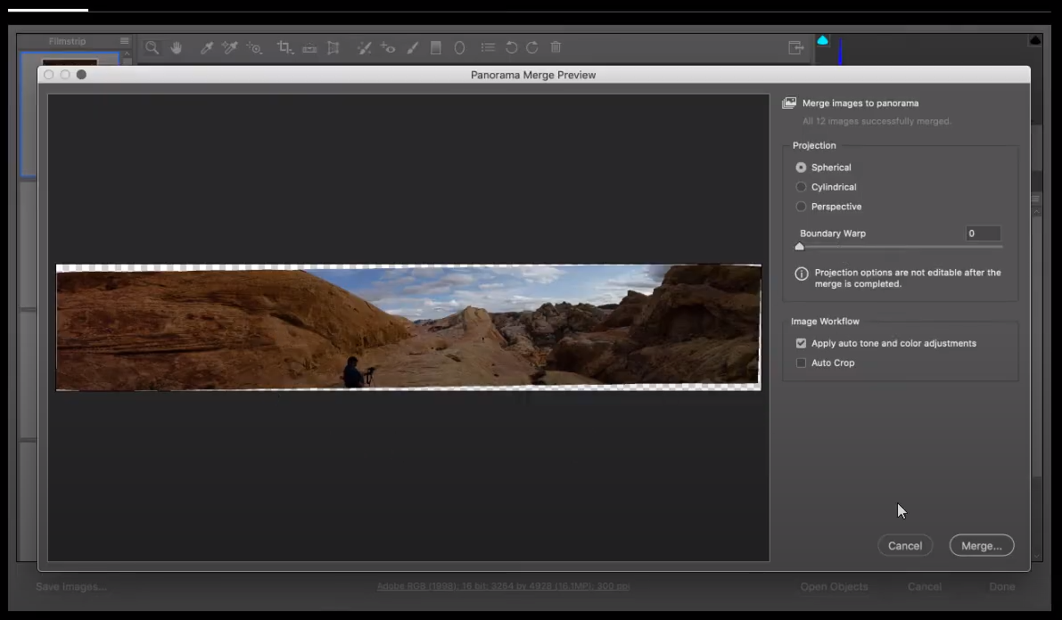 How can you avoid having transparent edges along the edge of a panoramic photo while retaining the largest image size?