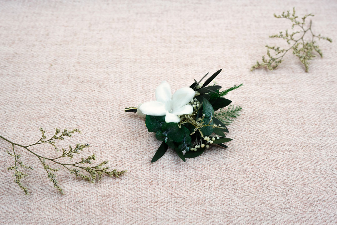 boutonniere daisy