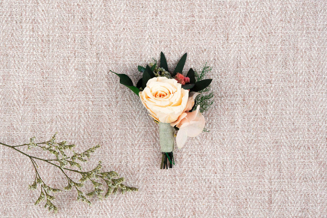 boutonniere roselia