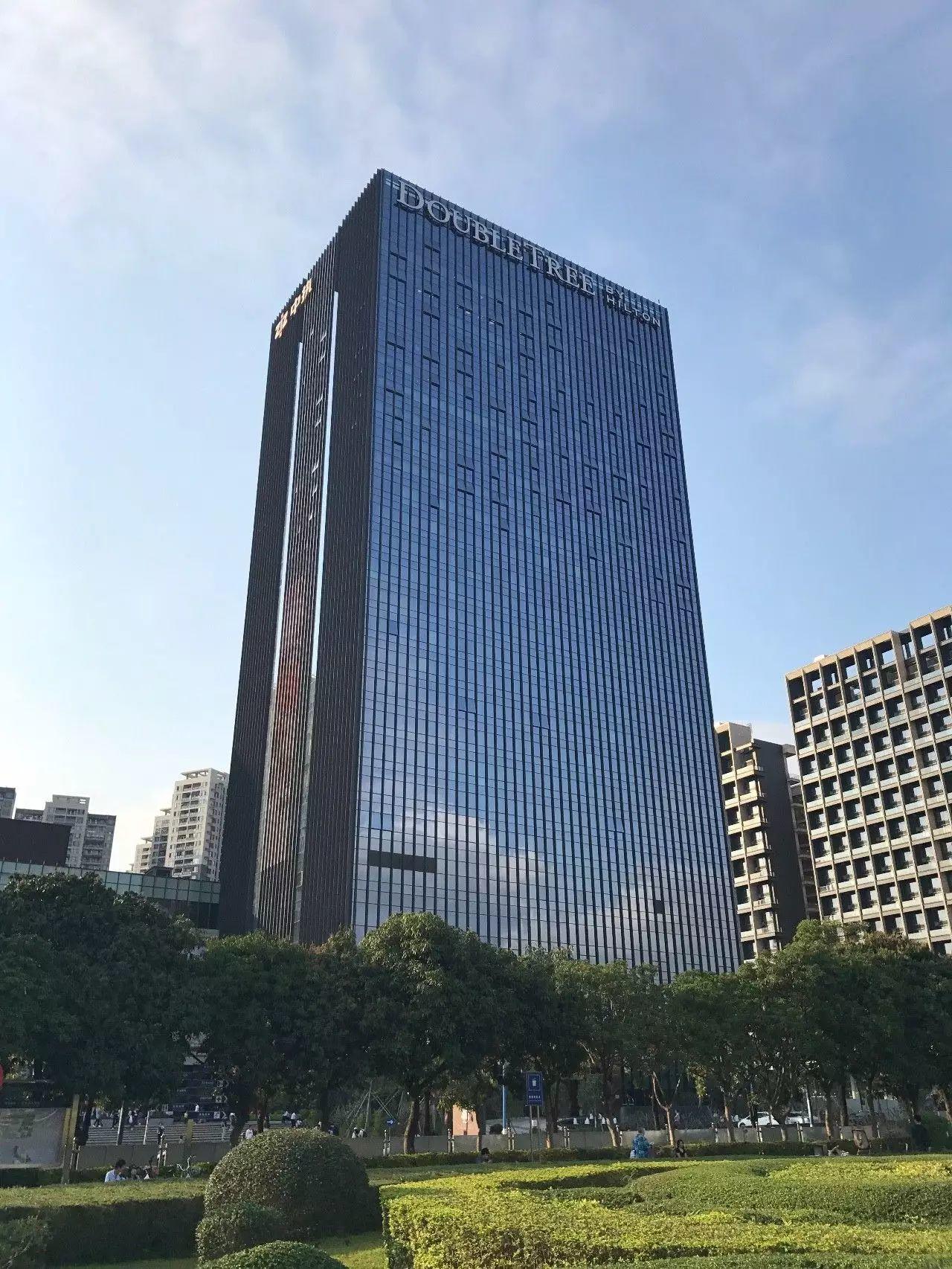 性冷淡商务风:深圳龙华希尔顿逸林酒店