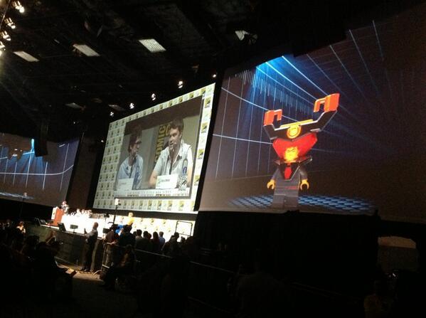 The LEGO Movie - Page 2 Pres_Buisness_ComicCon