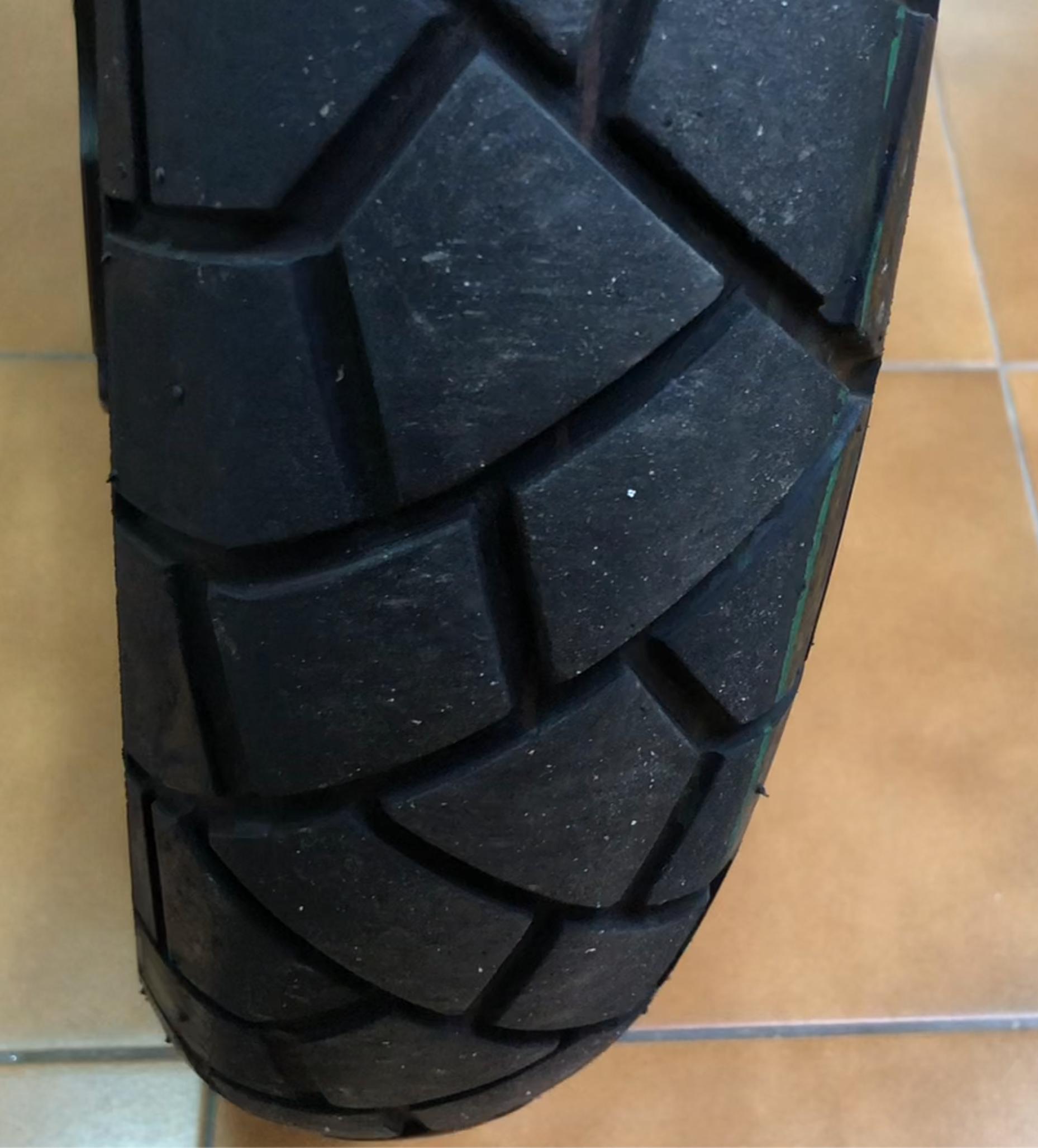 Es este el avisador de que se me ha acabado el neumático? Ruedas4