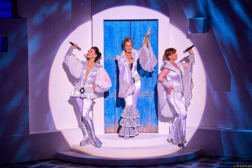THEATRE REVIEW | Mamma Mia, Brighton Centre