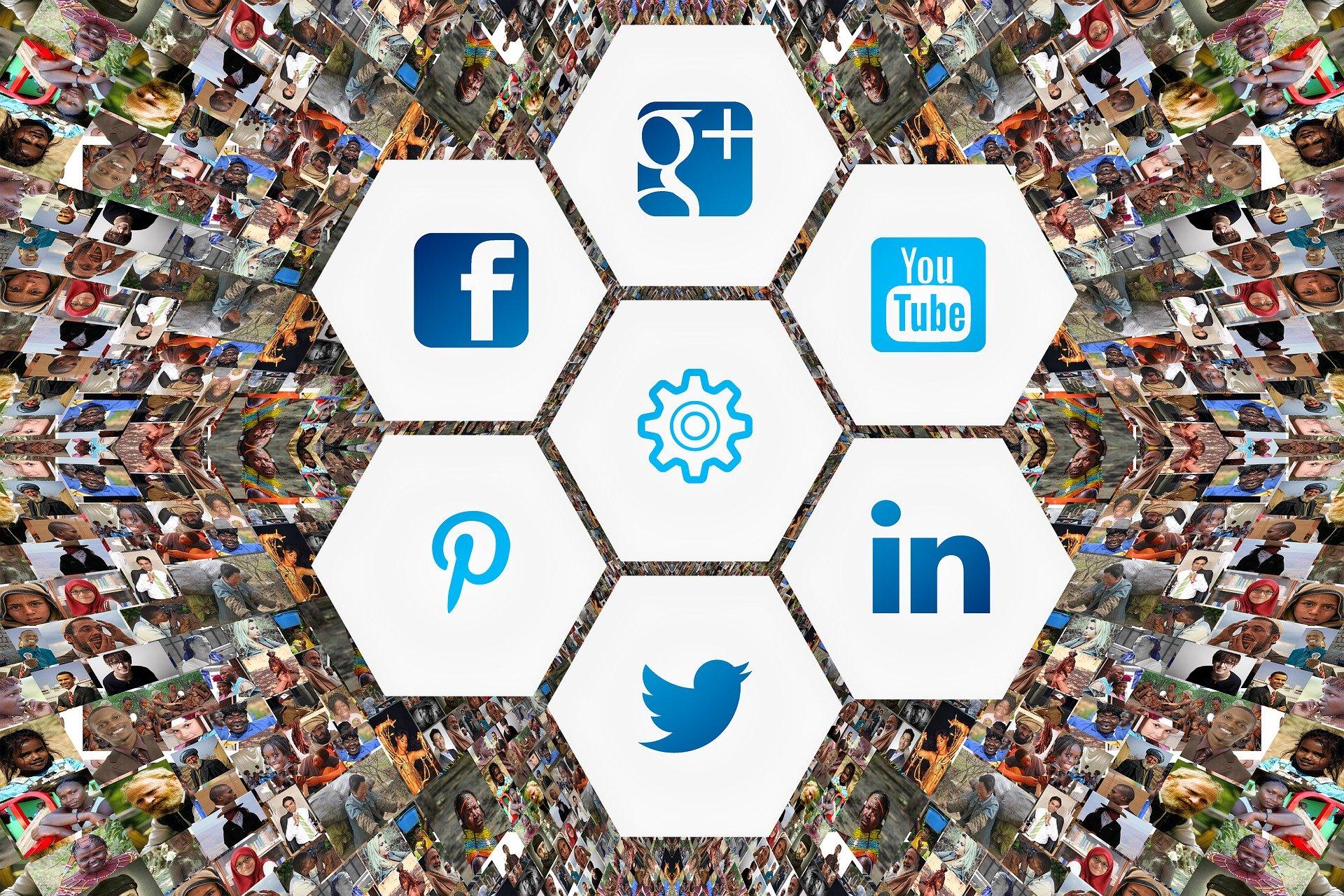 social-media-faces-photo-album-3129481
