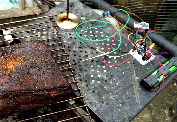 Arduino connected to temperature sensors