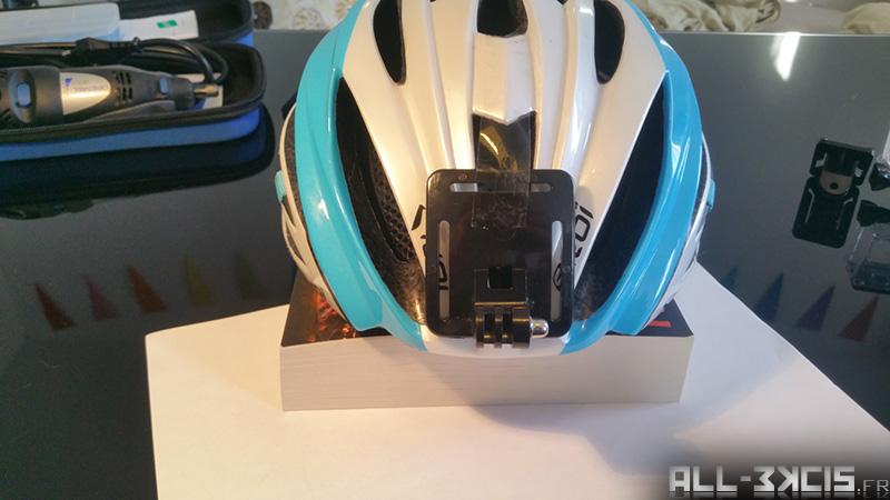 Fixer une caméra sportive sur un casque de vélo - étape 1