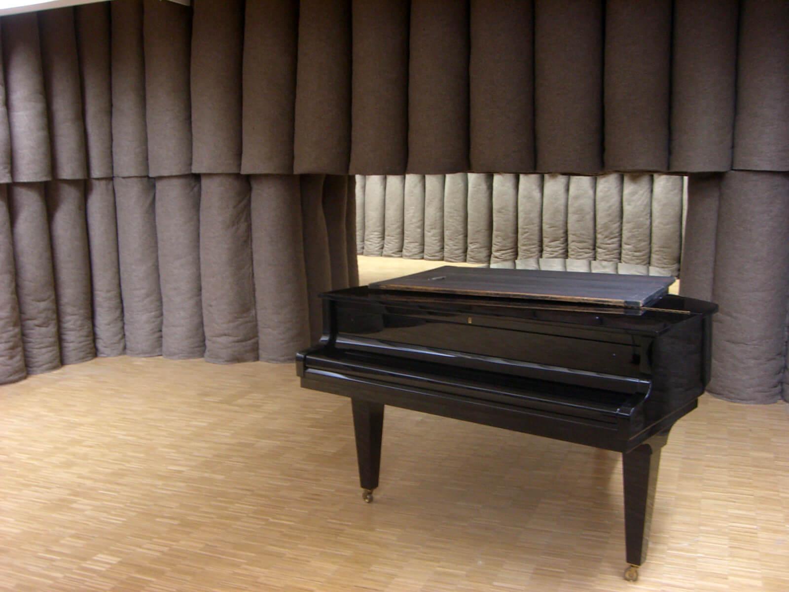 Йозеф Бойс, рояль