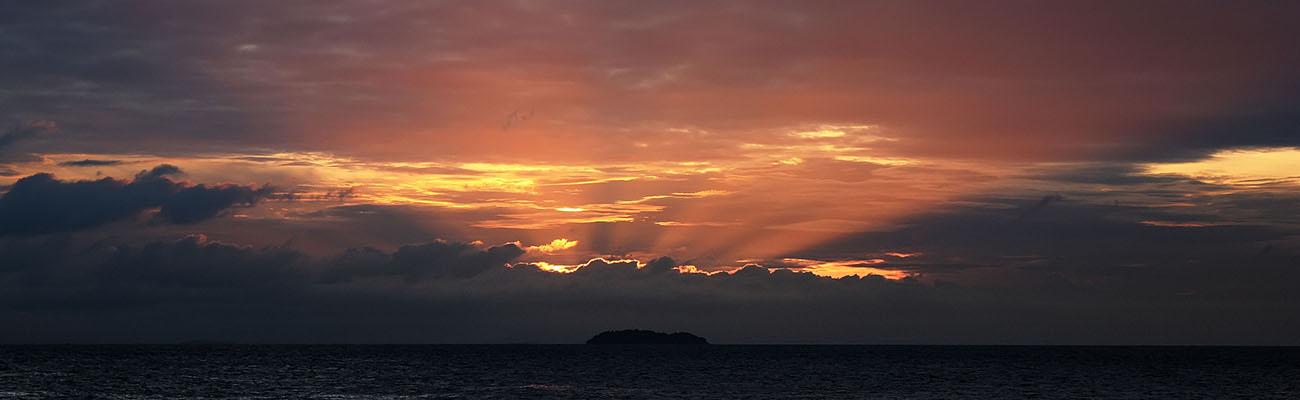 Рассвет на острове Самет
