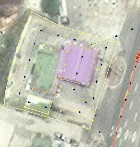 JOSM에서 주유소를 추가한 모습