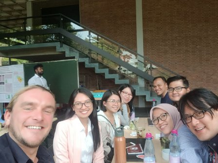 Grabbed from Nick Brown's: Ph, Taiwan and Indonesian colleagues at lunch :muscle: