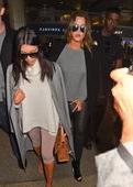 Khloe Kardashian & Kim Kardashian