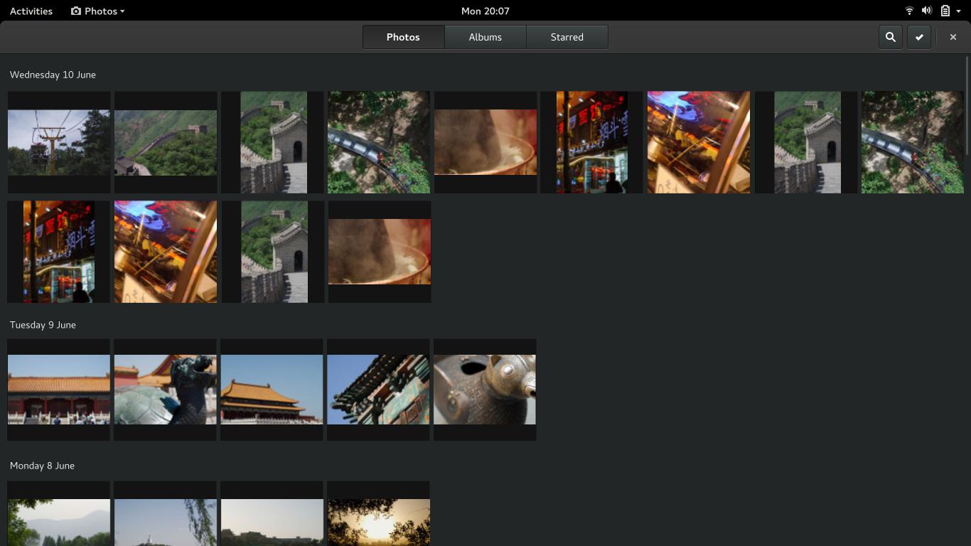 https://raw.githubusercontent.com/gnome-design-team/gnome-mockups/master/photos/photos-photos-grid.png