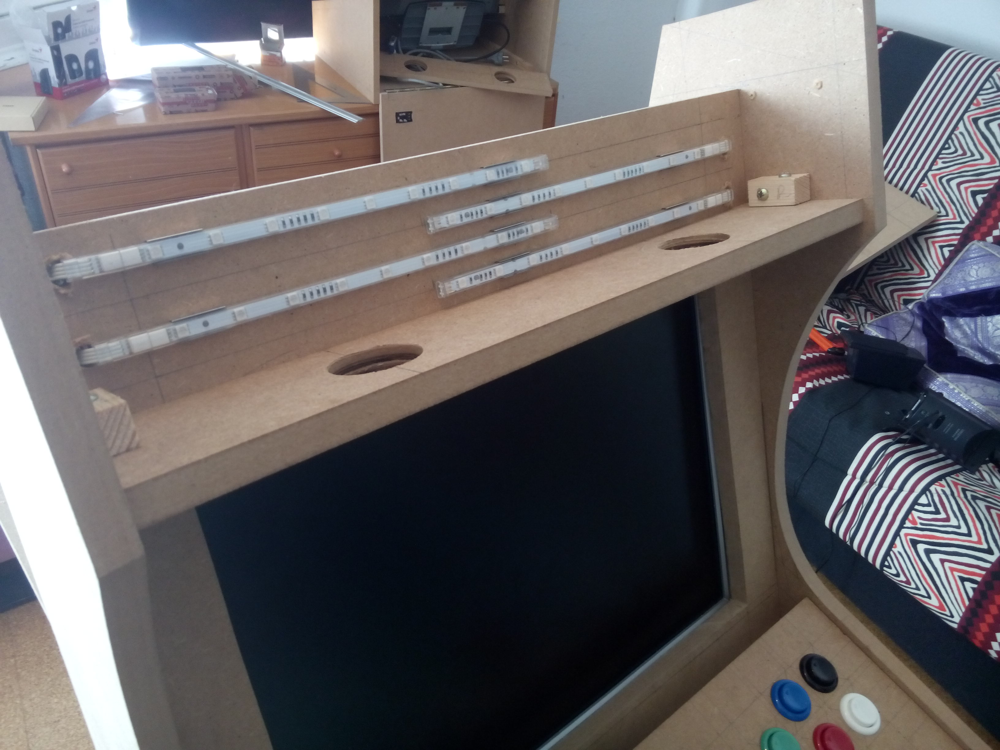 ikea dioder on bartop front with led multicolore ikea. Black Bedroom Furniture Sets. Home Design Ideas