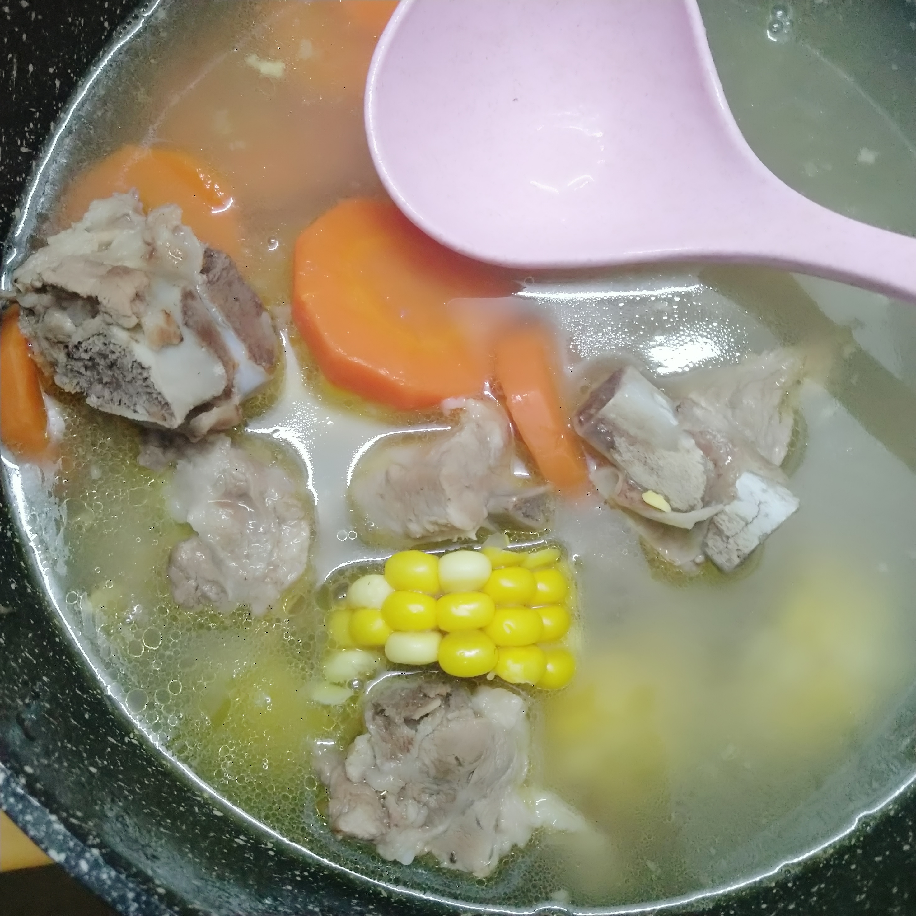 一锅排骨汤