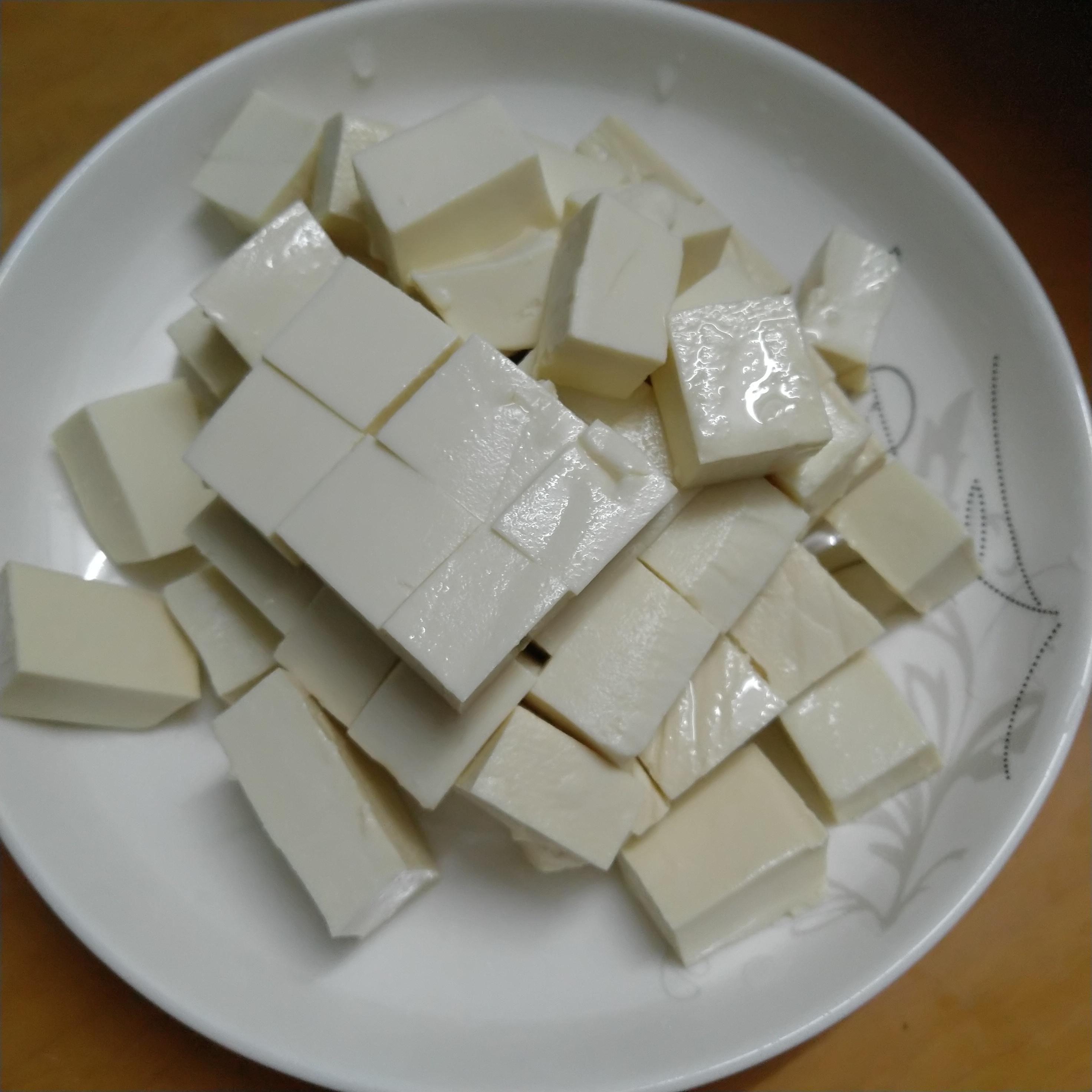 豆腐切小块