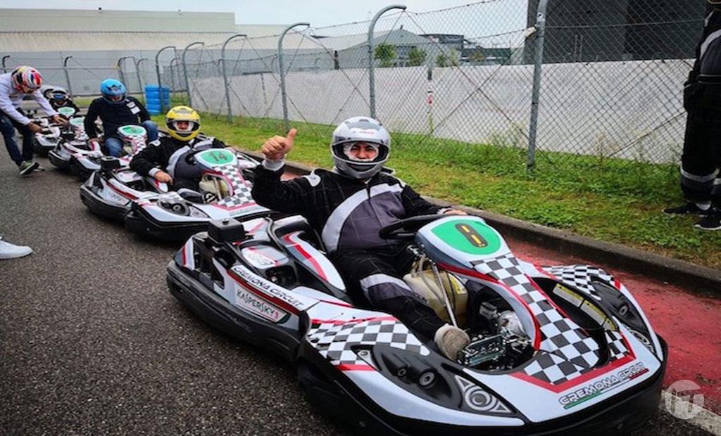 "El ""High Performance Club"" de Kaspersky Lab lleva a socios de Colombia a la fábrica de Ferrari en Italia"