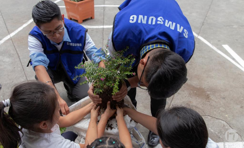 Samsung crece en la región gracias a las manos de sus voluntarios