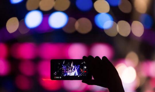 Abriendo las puertas al futuro: La Inteligencia Artificial ha revolucionando la experiencia con los Smartphones
