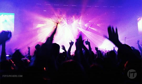 Kaspersky advierte sobre los riesgos de que publiques tus entradas o hagas check-in en eventos masivos
