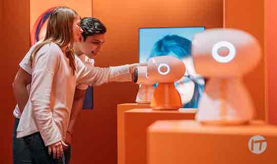 LG presentó robots que expresan sentimientos y su primer máquina de helados para el hogar