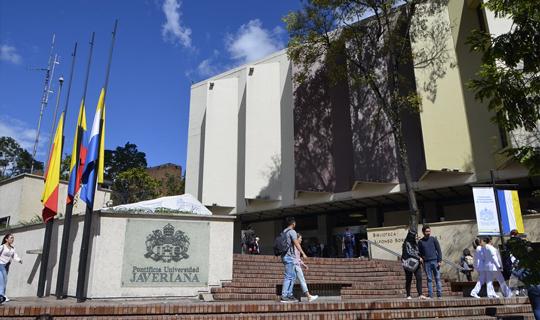 Samsung y la Pontificia Universidad Javeriana certifican a 450 jóvenes en codificación y programación