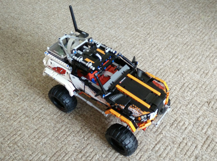 9398 4x4 Crawler with Raspberry Pi