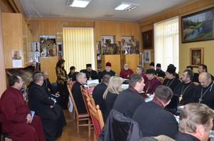 Тривожну ситуацію з пожежами обговорили на зустрічі духовенства та управління МНС України