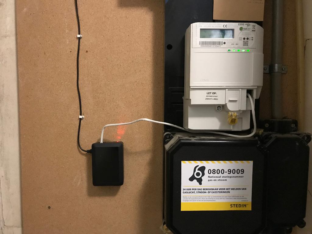 De meterkast met de Landis&Gyr E350 en de P1 naar tcp interface