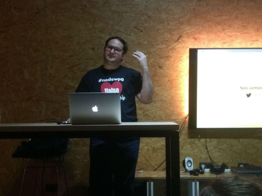 Nico Isnardi en su vuelta a Meetup.js