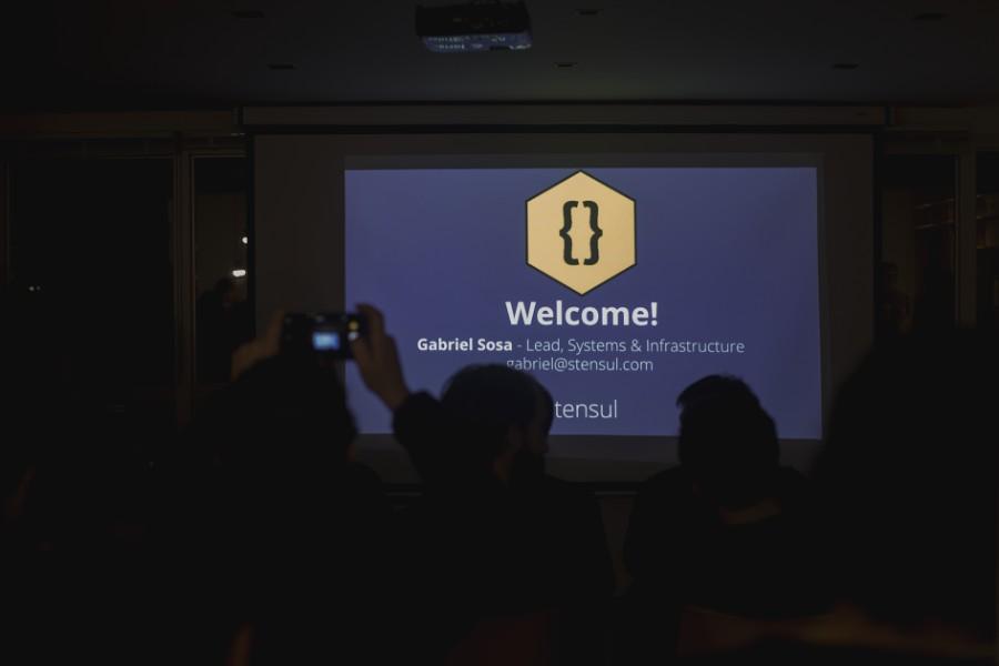 Slide inicial del primer meetup del año