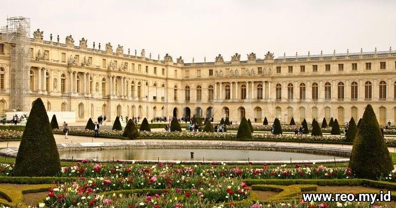 Istana Versailles Perancis, Istana Megah Bertatahkan Emas - Travel Pelopor  Paket Tour Wisata Halal Dunia