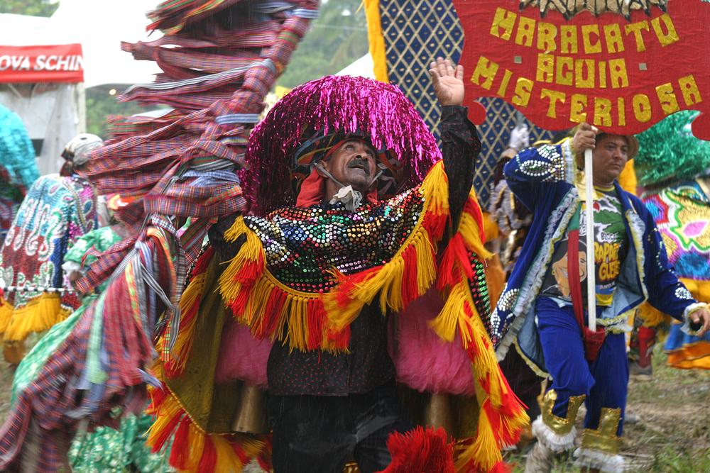 A brabeza Pernambucana diante o absurdo - Caboclo de Lança e a chuva na Festa da Lavadeira (Foto: Festa da Lavadeira/ Divulgação)