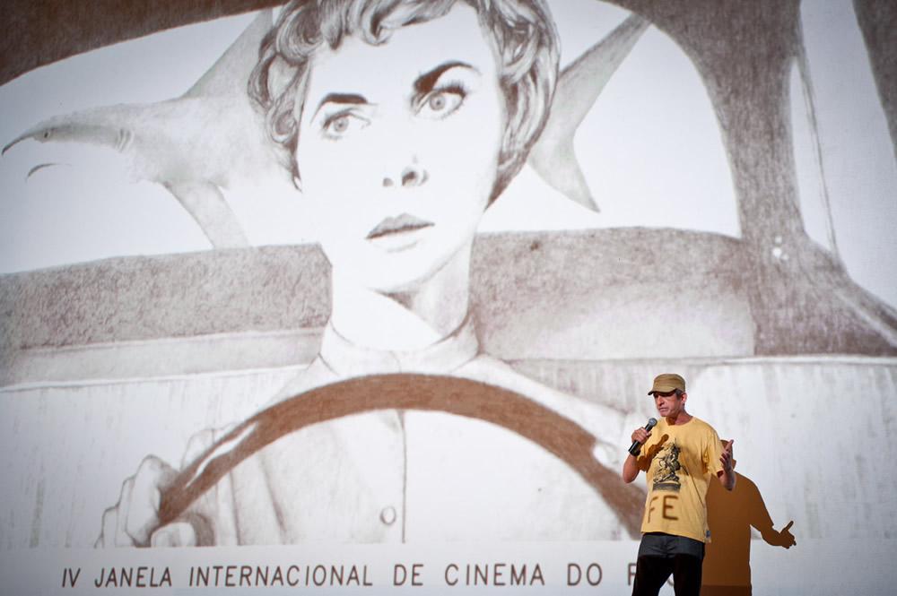 Abra a Janela e dê uma volta no centro - Cláudio Assis. (Foto: Victor Jucá Divulgação)