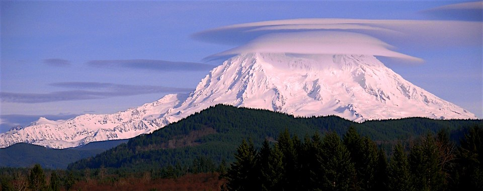 Mt. Rainier with lenticular clouds (credit: US National Park Service)