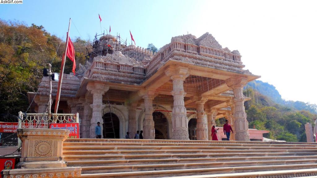 5. Maa Bamleshwari Temple