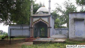 5. Makhdum Shah Ka Mazaar