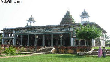 2. Bihari Ji Temple