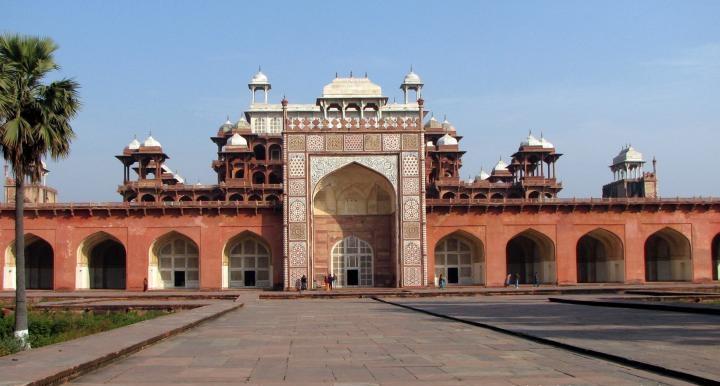 5. Akbar's tomb
