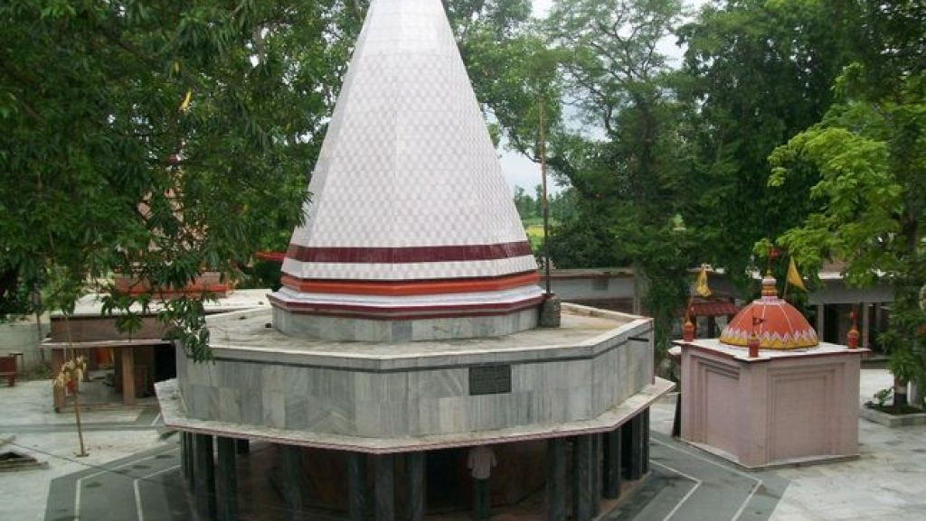 1. Itahiya Shiv Temple