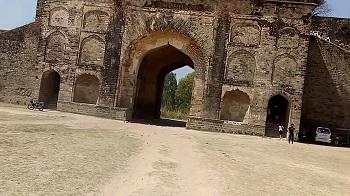 5. Najibabad Sultana Fort