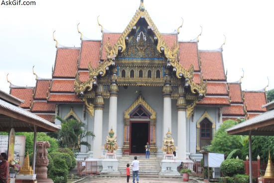 4. Thai Monastery