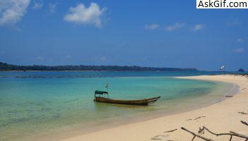 1. Lamiya Bay Beach