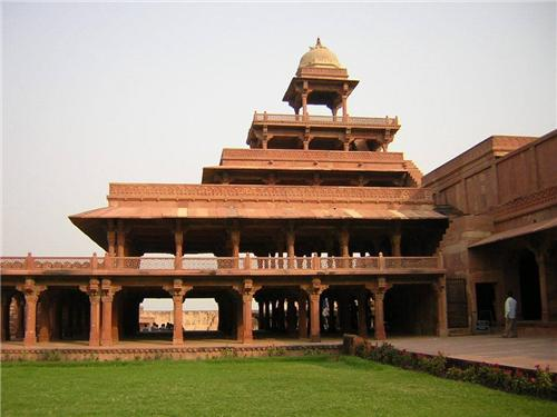 3. Panch Mahal