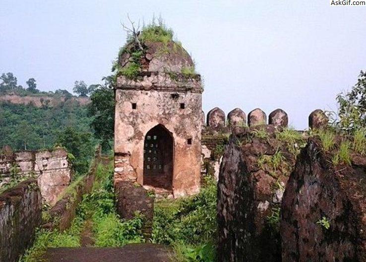 4. Kila of Jalalgarh