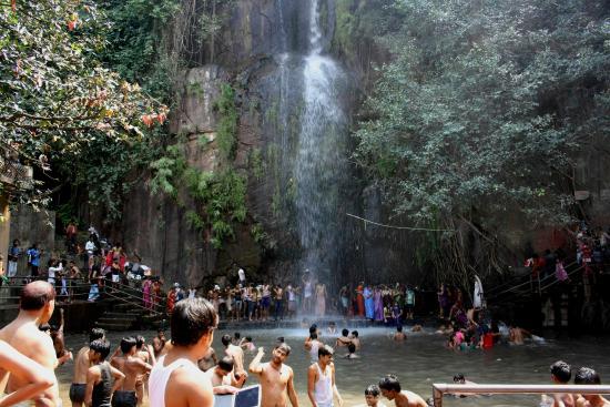 1. Kakolat Falls